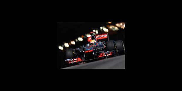Vettel en pôle, crash violent pour Perez