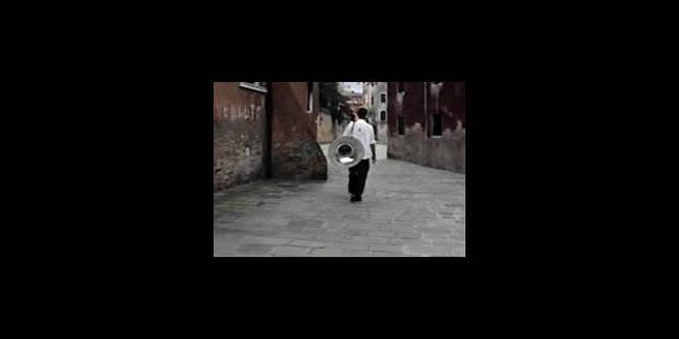 Le Belge Francis Alÿs dans le top 10 des artistes les plus importants - La Libre