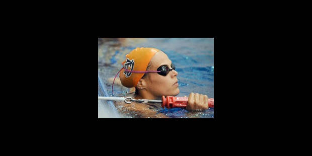 Laure Manaudou gagne le 200m libre à Athens - La Libre