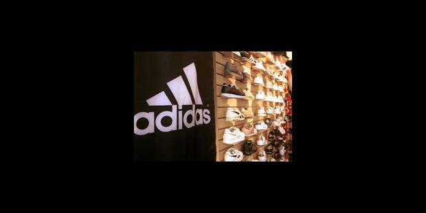 Chaussures À Dollar La Un Libre Une Inde Va Lancer En Adidas Paire De fvyYbg76