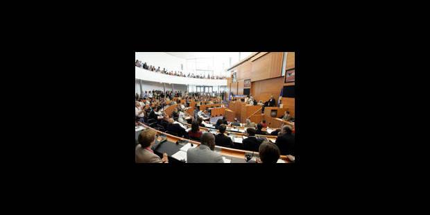 Le parlement bruxellois veille aux futurs investissements des communes - La Libre