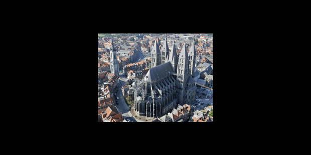 L'UCL souhaite s'implanter au pied de la cathédrale de Tournai et suscite le débat - La Libre
