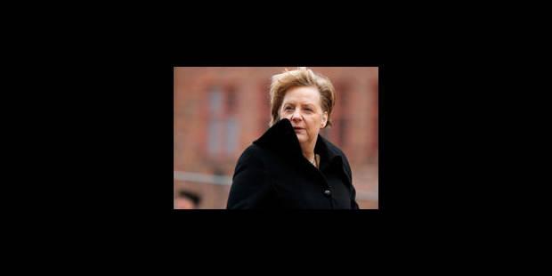 Angela Merkel relookée par Lagerfeld ?