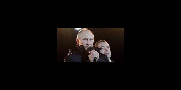 Poutine en pleurs devant ses partisans
