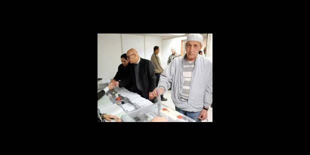Les islamistes algériens visent la victoire aux législatives - La Libre
