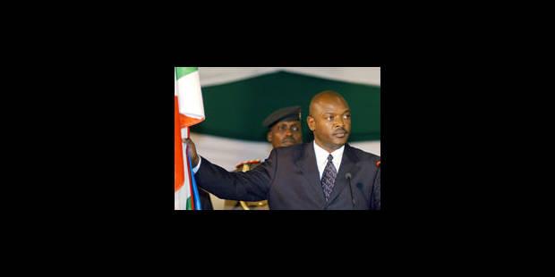 Président... et condamné à mort, il s'amnistie secrètement