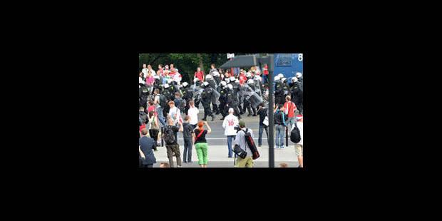 Plus de cent hooligans interpellés en marge de Pologne-Russie - La Libre