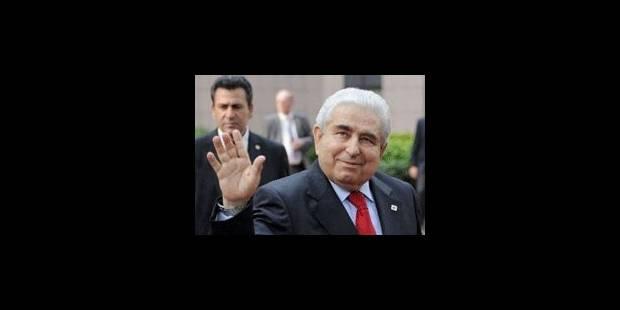"""Chypre a """"demandé l'aide financière"""" de la zone euro"""