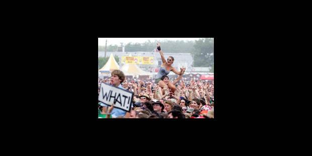 Concerts: un site de revente de billets sur trois enfreint la loi - La Libre