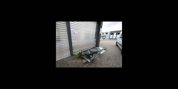 Jonathan Legear détruit une station-service avec sa Porsche - La Libre