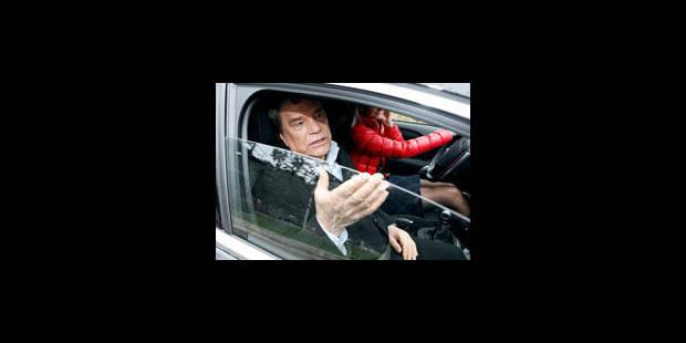 L'arrivée de Bernard Tapie dans la presse fait jaser - La Libre