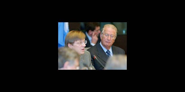 """Verhofstadt dénonce les """"véritables intentions"""" de De Wever"""