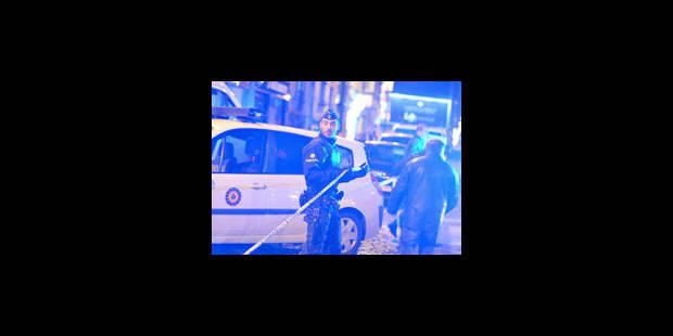 Fusillade sur l'autoroute A8: 1 terroriste algérien abattu - La Libre