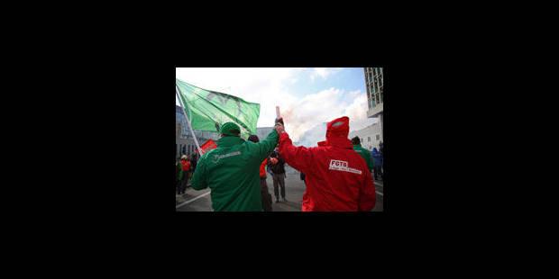 Des milliers de militants dans les rues de Bruxelles - La Libre