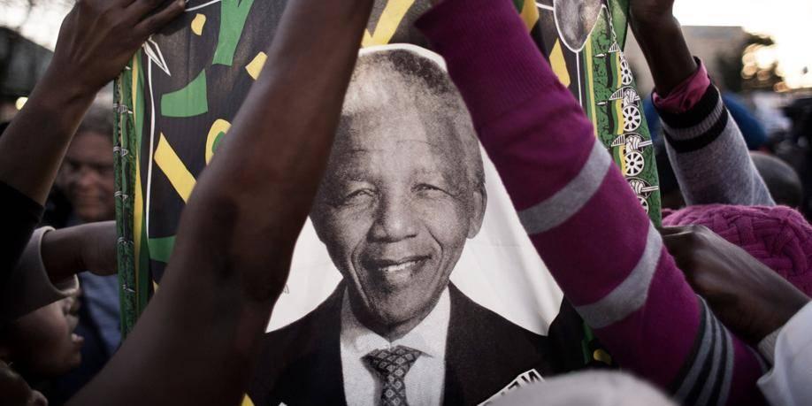 Mandela: la délicatesse de mourir pendant le JT