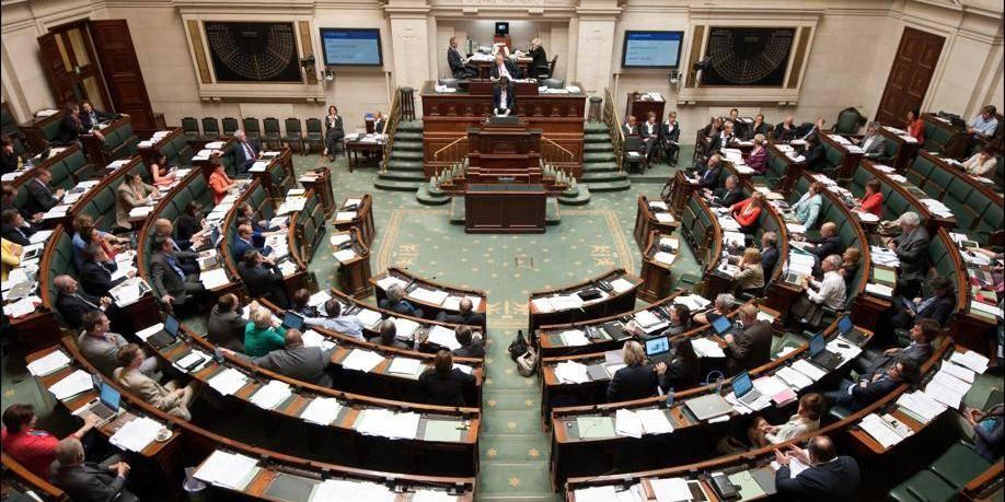Les partis politiques s'attribuent 8 millions d'euros supplémentaires