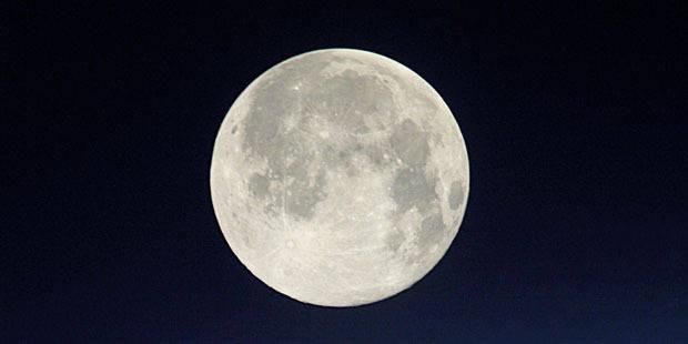 De l'eau détectée sur la Lune