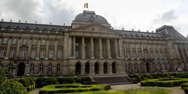 Ivre, un chauffeur de bus scolaire percute un mur à proximité du Palais royal - La Libre