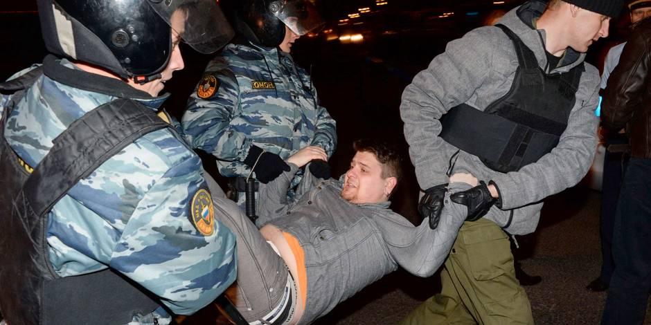 """Russie: émeutes à Moscou après un meurtre d'un jeune par un """"non slave"""""""