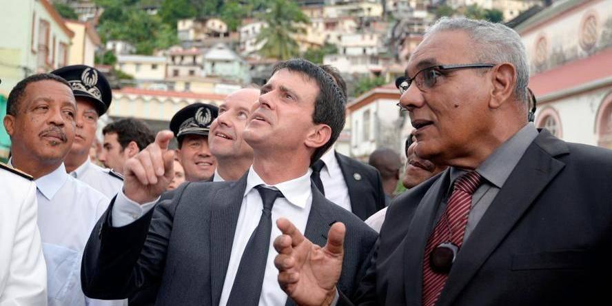 Affaire Leonarda: retour en urgence de Valls à Paris