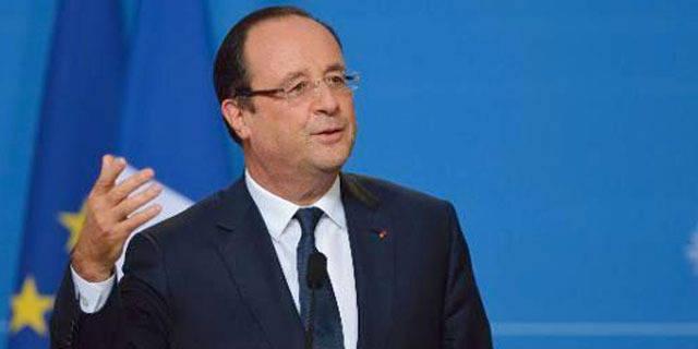 """Hollande note une """"évidente décélération"""" du chômage"""