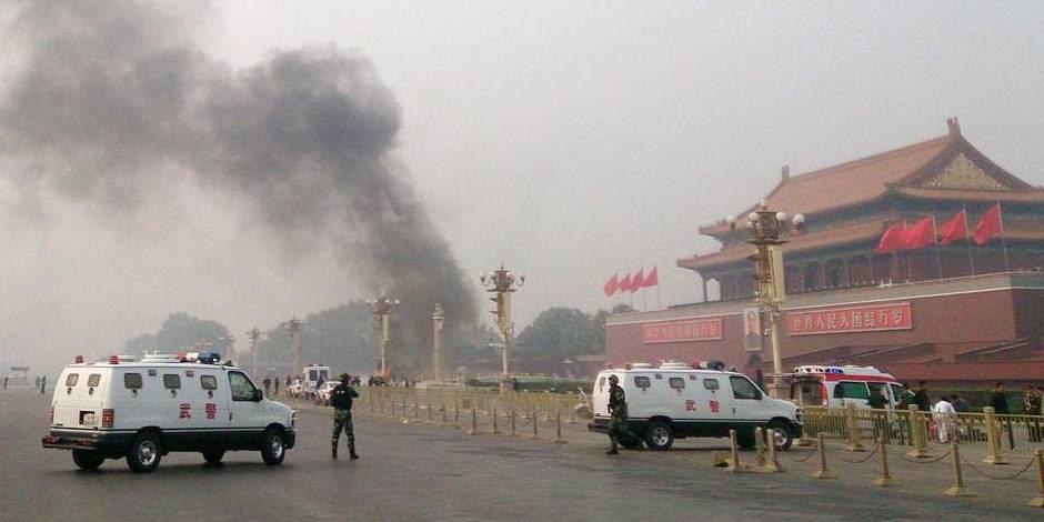 """5 suspects arrêtés après """"l'attentat terroriste"""" place Tiananmen"""