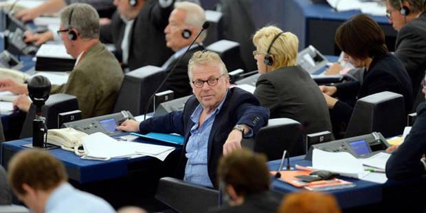 Le Parlement, (mal) assis entre deux sièges - La Libre