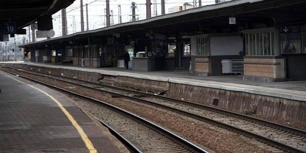 Collision entre un train et un camion à Schaerbeek : 3 trains supprimés - La Libre