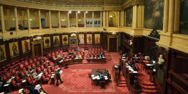 Les sénateurs ont pris congé de leur institution - La Libre
