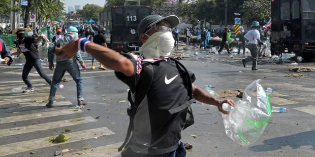 Thaïlande: affrontements à Bangkok, la Première ministre résiste - La Libre