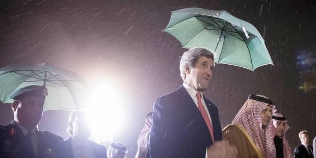 Kerry tente d'assembler les pièces éparses du puzzle d'un accord de paix - La Libre