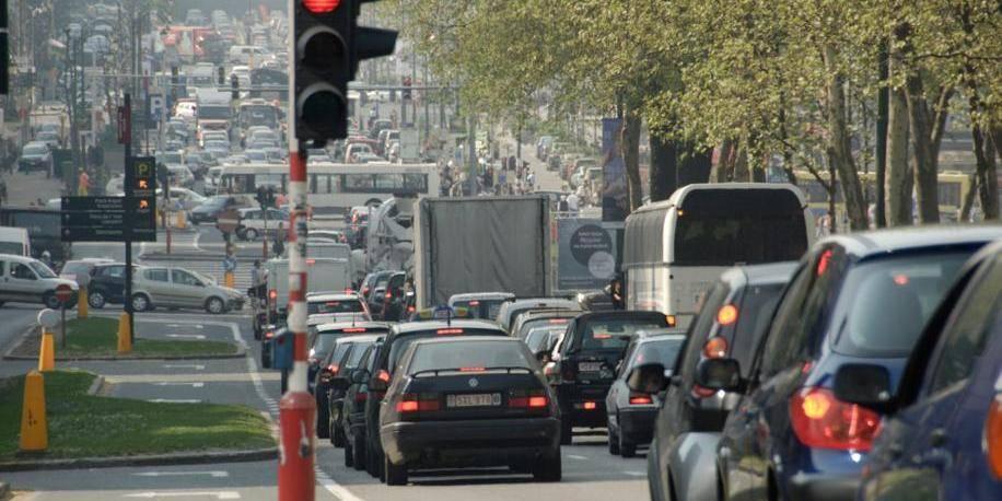 """Taxe de roulage à Bruxelles: Cerexhe juge la mesure """"tout à fait inadaptée"""""""