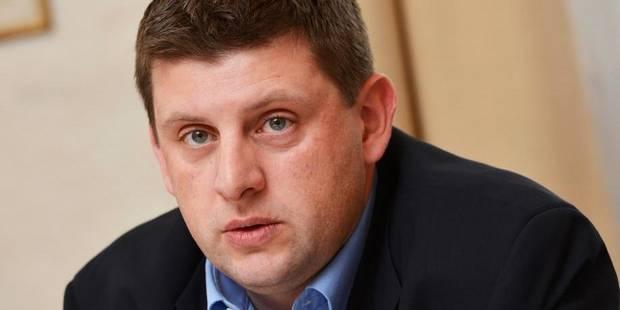 L'entrepreneur qui dépose 10 000 euros à sa banque sera-t-il suspecté de fraude ? - La Libre
