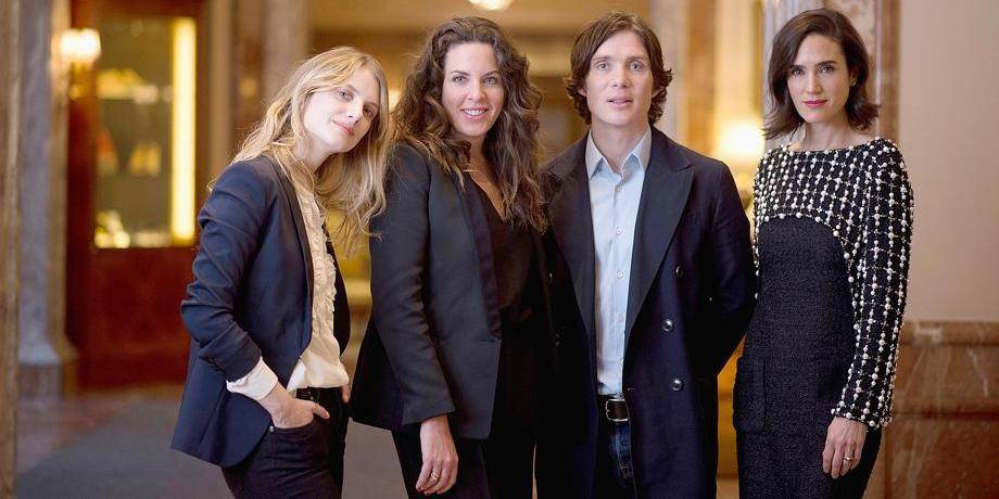 (L-R) US actress Jennifer Connelly, Peruvian film director Claudia Llosa, Irish actor Cillian Murphy, French acrtress Melanie Laurent, cast of the movie Aloft presented in competition of the 64th Berlinale Film Festival pose during a photo shoot in Berlin, on February 12, 2014. AFP PHOTO / JOHANNES EISELE