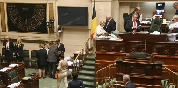 Les députés, 91 hommes et 59 femmes, prêtent serment jeudi - La Libre