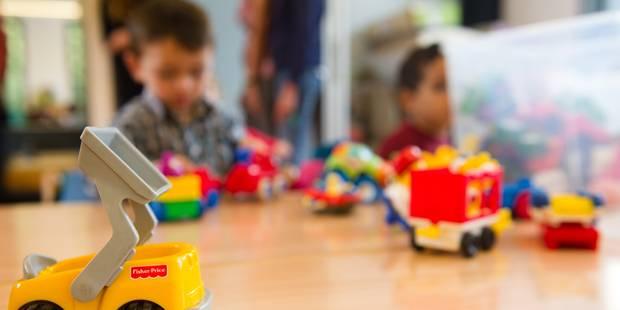 Une prof colle les factures impayées sur des enfants de 4 ans - La Libre