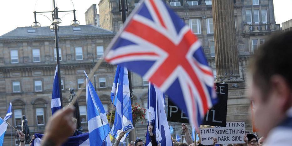 """""""Désarroi constitutionnel"""", """"abandon"""": le référendum écossais vu par la presse britannique"""