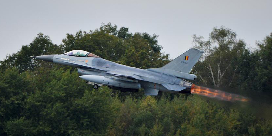 Guerre contre l'Etat islamique votée: les F-16 belges ont quitté la Belgique