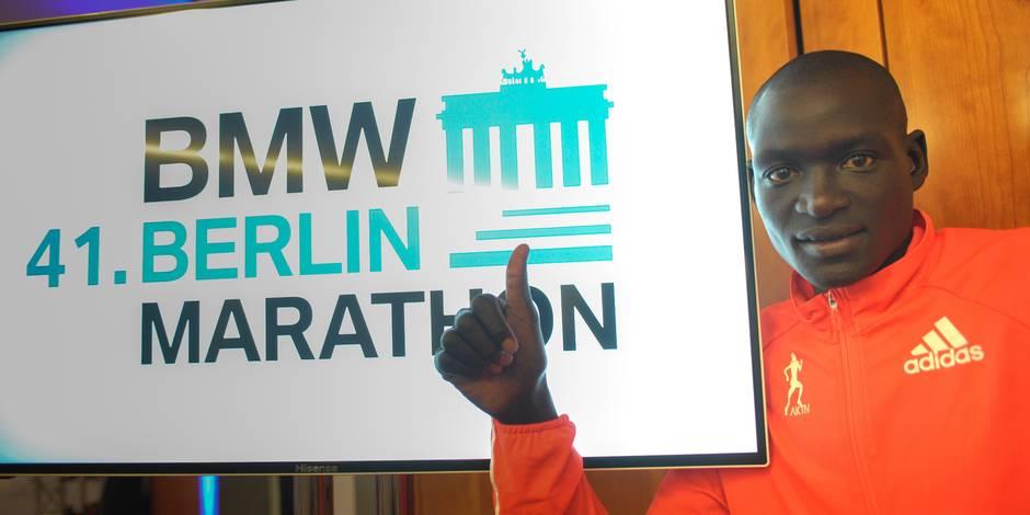 Le Kenyan Dennis Kimetto bat le record du monde du marathon