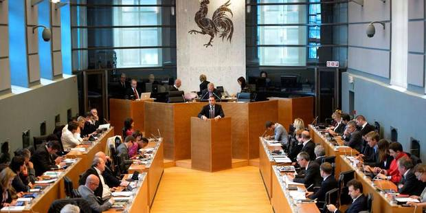 Fédération Wallonie-Bruxelles: premier accroc au sein de la nouvelle majorité PS-cdH - La Libre
