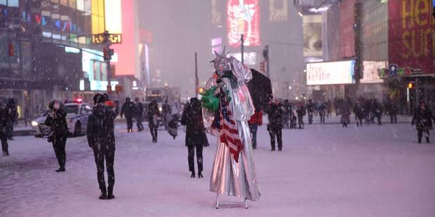 New York: tempête de neige moins importante que prévu, mais des images impressionnantes (Photos) - La Libre