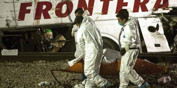 Mexique: 20 morts et 31 blessés dans une collision entre un train et un bus - La Libre