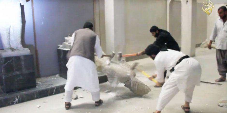 L'Etat islamique saccage des vestiges archéologiques (PHOTOS)