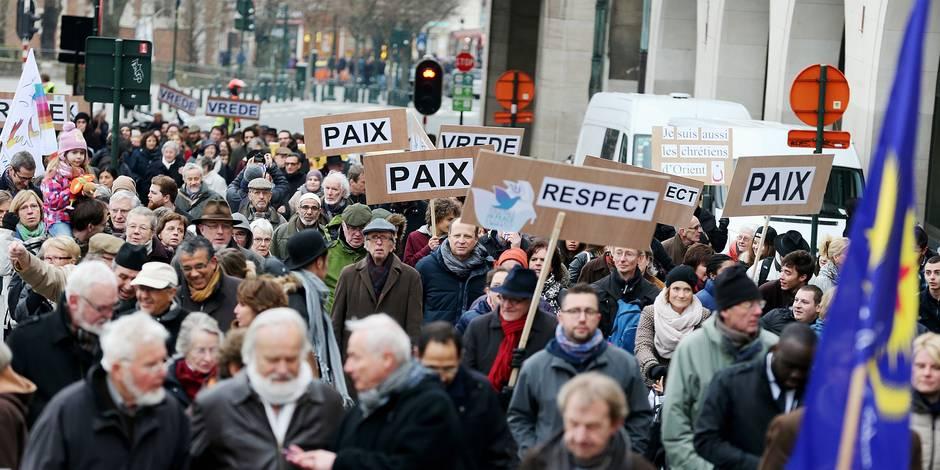 """Plus de 3.500 personnes ont marché sous le slogan """"Together in Peace"""""""