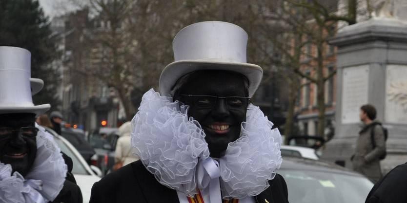 "M. Reynders grimé en ""Noiraud"", la Belgique accusée de néocolonialisme"