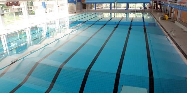 Piscine jambes namur luxembourg for Accessoire piscine namur