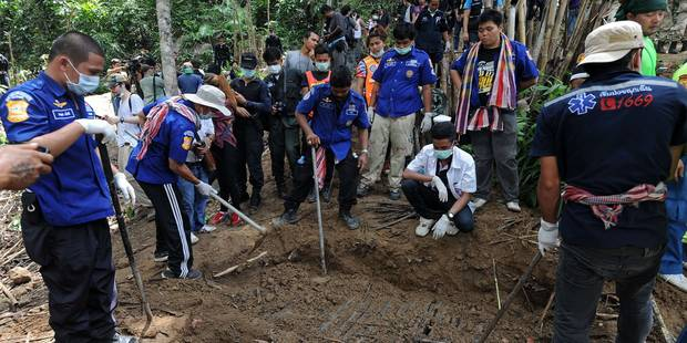 Fosse commune de clandestins dans le sud de la Thaïlande: 26 corps exhumés - La Libre