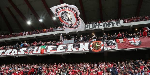 Les supporters du Standard s'en prennent à leur président (Photo) - La Libre