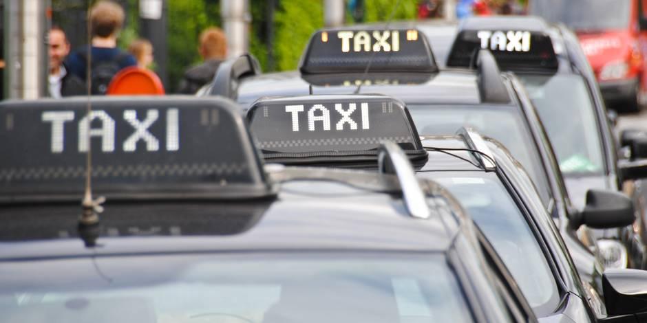 Des chauffeurs de taxi bruxellois rejoignent la manifestation contre Uber en France