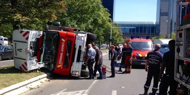 Une auto-échelle des pompiers de Bruxelles dans le décor - La Libre